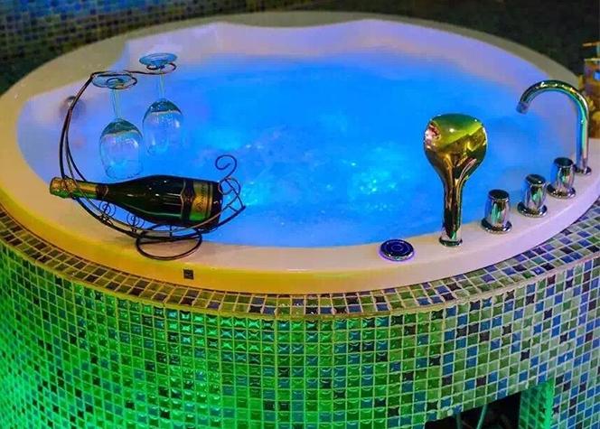 圆形按摩浴缸9964