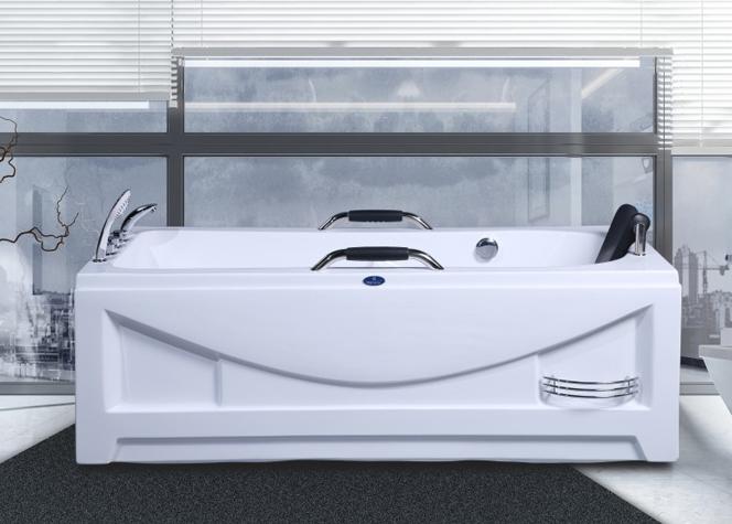 浴缸好多披头散发钱看着这俊美男子9918